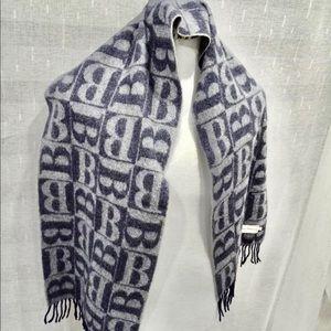 Cashmere Burberry logo scarf nwot unisex
